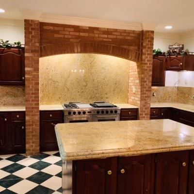 Granite Kitchen with Backsplash and Island