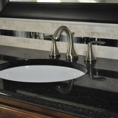 Granite Bathroom Vanity Top with tile Backsplash