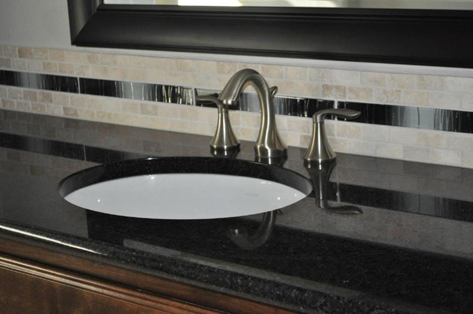 Granite Bathroom Vanity Top with tile Backsplash