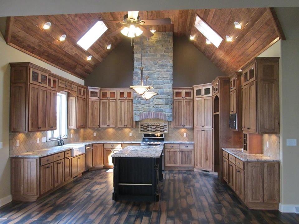 Rustic Kitchen! Granite Kitchen Countertops with Island